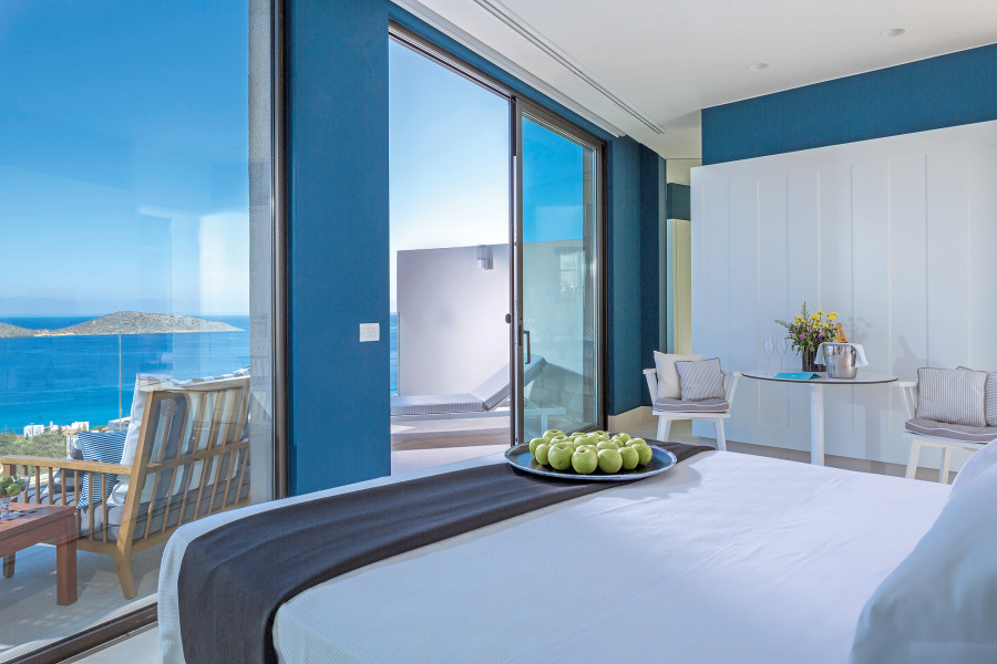 One Bedroom Superior Suite with Private Pool, Private Massage Room & Sea View