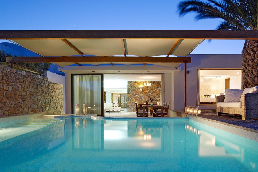 Aphrodite's House – Club Suite 3 Bedroom Private Pool Seafront