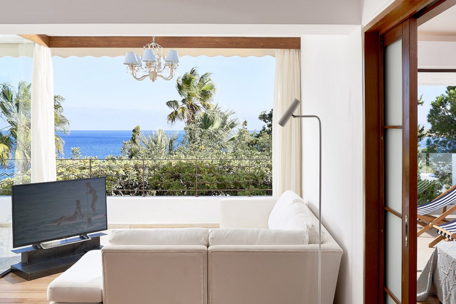 Club Suite Seafront View