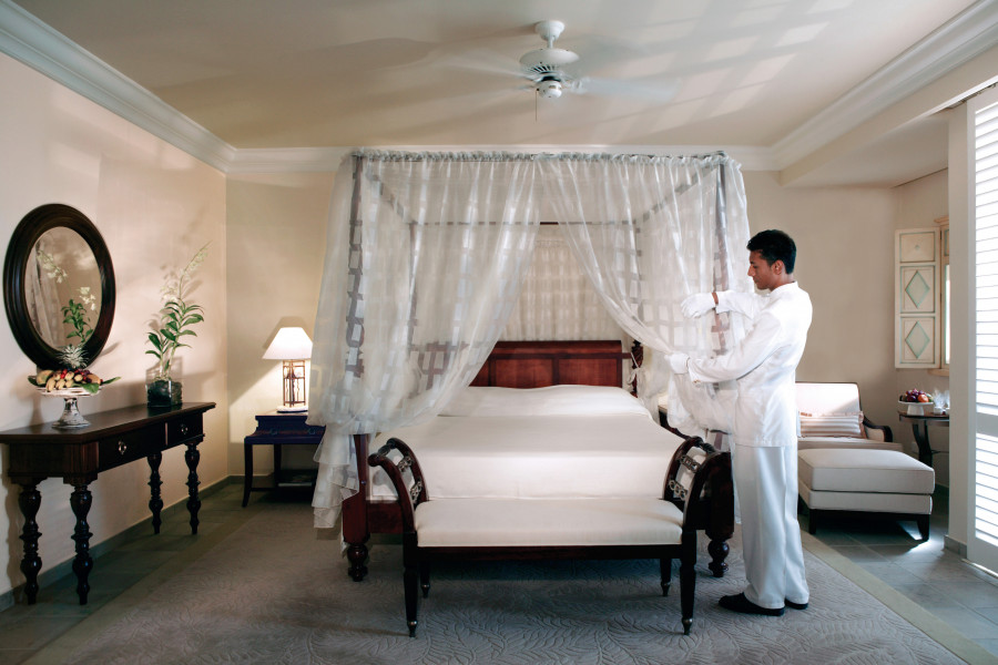 Colonial Ocean Front Suites