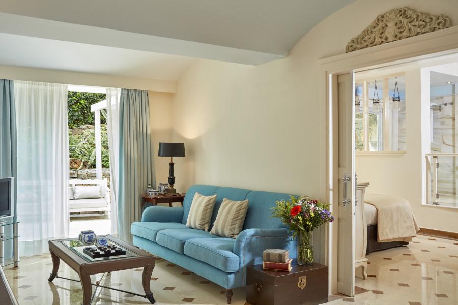 One Bedroom Deluxe Senior Suite