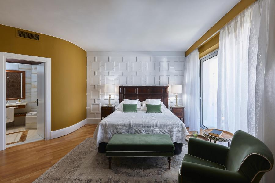 4 Bedroom Royal Spa Pool Villa