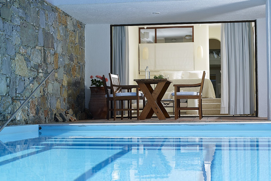 Family Suite 2 Bedroom Private Pool Sea View