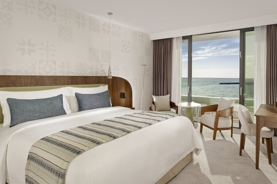 Superior Sea View Twin / King / Accessible Twin Bed
