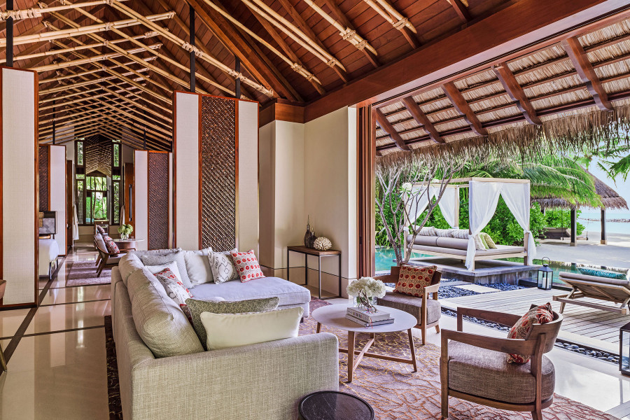 Grand Beach Villa with Pool - 2 Bedrooms