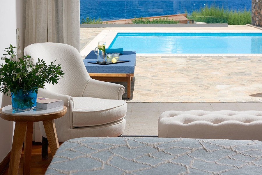 Poseidon House – Club Suite 2 Bedroom Private Pool Seafront