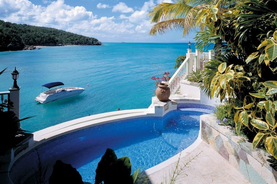 Blue Waters Resort & Spa